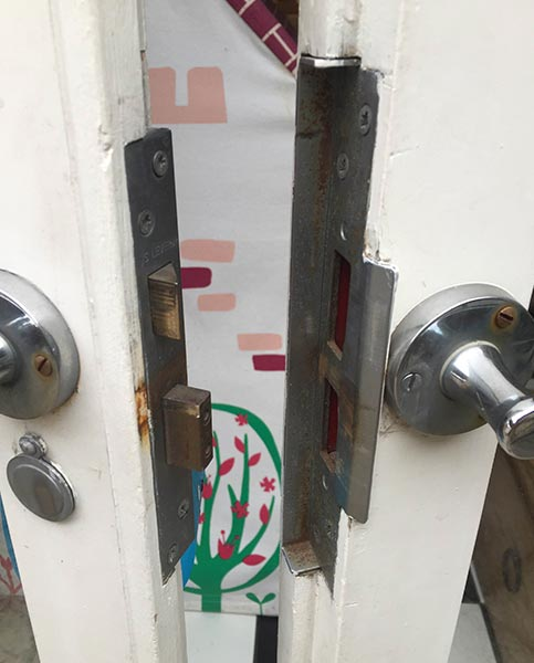 Door lock handle